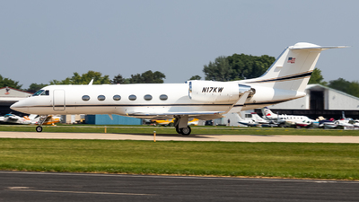 A picture of N17KW - Gulfstream IV - [1361] - © Grant Gladych