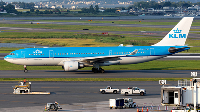 A picture of PHAOB - Airbus A330203 - KLM - © OCFLT_OMGcat