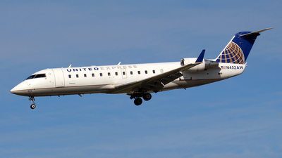 N452AW - Bombardier CRJ-200LR - United Express (Air Wisconsin)