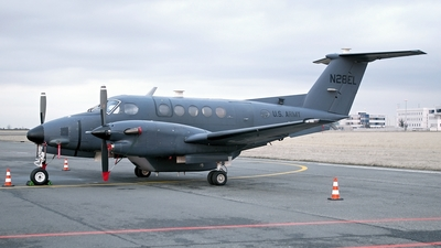 A picture of N28EL - Beech 300 Super King Air - [FA144] - © Milan Cibulka