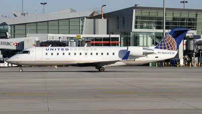 A picture of N444ZW - Mitsubishi CRJ200LR - United Airlines - © Daniel Lapierre Forget