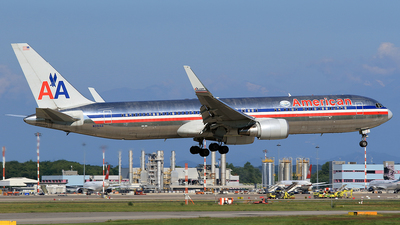 A picture of N351AA - Boeing 767323(ER) - [24032] - © claudio fossati
