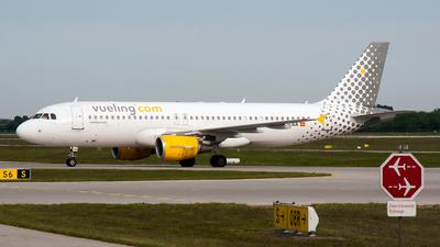 EC-LAA - Airbus A320-214 - Vueling