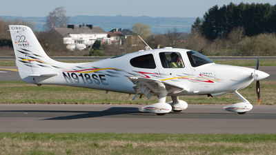 A picture of N918SE - Cirrus SR22 - [2211] - © PAUL LINK