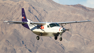 N908FE - Cessna 208B Super Cargomaster - FedEx Feeder (West Air)