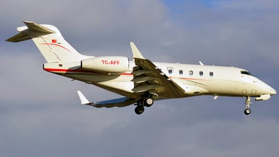 TC-AFF - Bombardier BD-100-1A10 Challenger 300 - Private