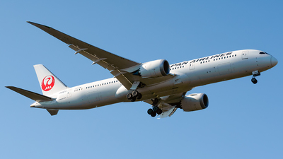 A picture of JA867J - Boeing 7879 Dreamliner - Japan Airlines - © Laszlo Fekete