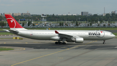 N813NW - Airbus A330-323 - Northwest Airlines