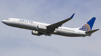N32404 - Boeing 737-924 - United Airlines