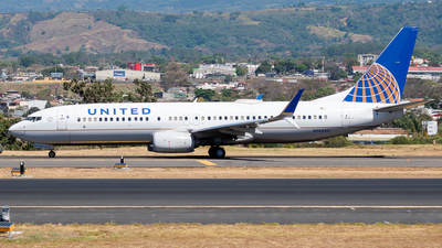 A picture of N76532 - Boeing 737824 - United Airlines - © Ivan Jimenez Rojas
