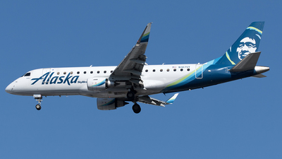 A picture of N187SY - Embraer E175LR - Alaska Airlines - © Yixin Chen