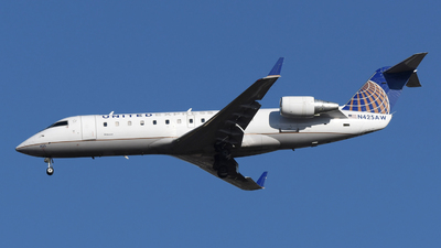 N425AW - Bombardier CRJ-200LR - United Express (Air Wisconsin)