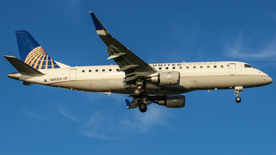 N93305 - Embraer 170-200LR - United Express (Mesa Airlines)