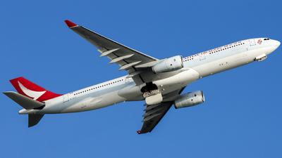 B-HLO - Airbus A330-343 - Cathay Dragon