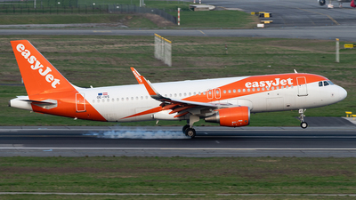A picture of OEIVS - Airbus A320214 - easyJet - © DN280