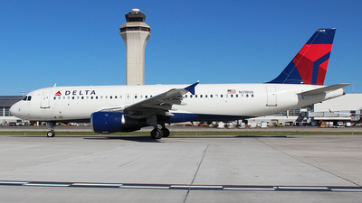 A picture of N318US - Airbus A320211 - [0206] - © MT Aviation photo & Film