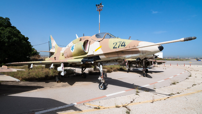 274 - McDonnell Douglas A-4H Ayit - Israel - Air Force