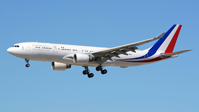 240 - Airbus A330-223 - France - Air Force
