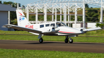 PT-IHE - Piper PA-34-200 Seneca - Sierra Bravo Aviation Escola de Aviação
