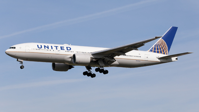 A picture of N225UA - Boeing 777222(ER) - United Airlines - © Marvin Knitl