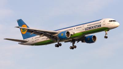 UK75701 - Boeing 757-23P - Uzbekistan Airways