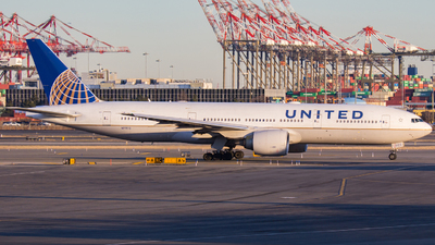 A picture of N77012 - Boeing 777224(ER) - United Airlines - © Xiamen Air 849 Heavy