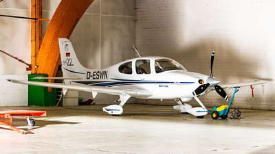 D-ESWN - Cirrus SR22 - Private