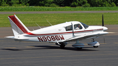 N9086W - Piper PA-28-235 Cherokee - Private