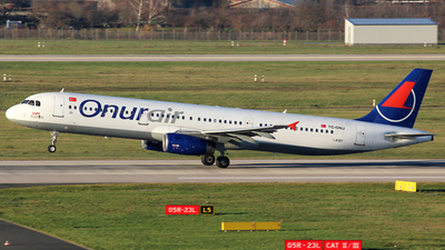 A picture of TCONJ - Airbus A321131 - Onur Air - © Christian Weber
