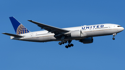 A picture of N784UA - Boeing 777222(ER) - United Airlines - © Matt Lino