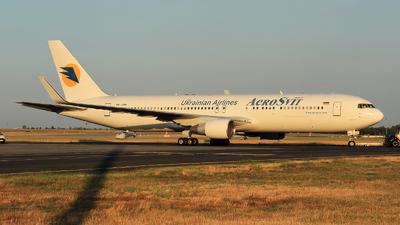 UR-DNM - Boeing 767-322(ER) - AeroSvit Ukrainian Airlines