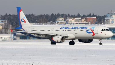 VP-BVA - Airbus A321-231 - Ural Airlines