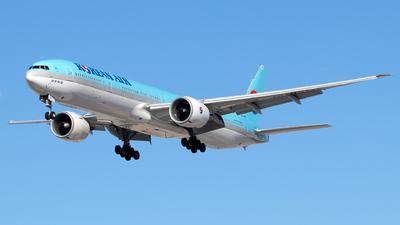 HL8217 - Boeing 777-3B5ER - Korean Air
