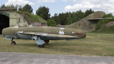 08 - Mikoyan-Gurevich MiG-17 Fresco - German Democratic Republic - Air Force