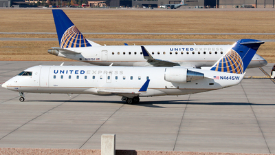A picture of N464SW - Mitsubishi CRJ200LR - United Airlines - © Roger M