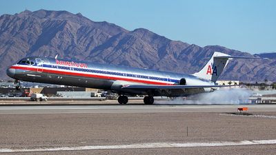 N569AA - McDonnell Douglas MD-83 - American Airlines