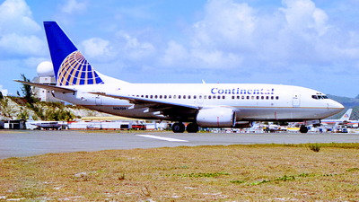 N16709 - Boeing 737-724 - Continental Airlines