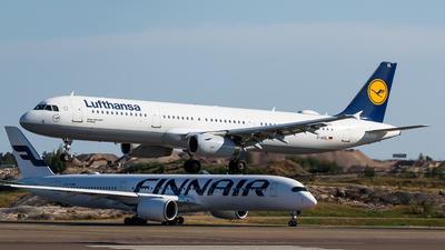 A picture of DAISL - Airbus A321231 - Lufthansa - © Teemu Pesonen