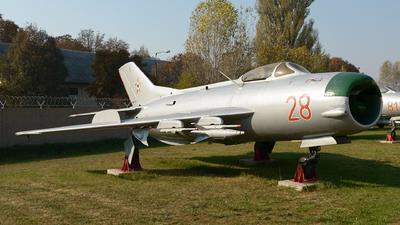 28 - Mikoyan-Gurevich MiG-19 Farmer - Hungary - Air Force
