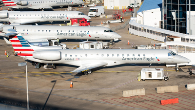A picture of N907AE - Embraer ERJ145LR - American Airlines - © Devin R