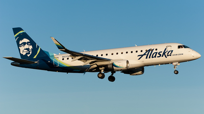 A picture of N637QX - Embraer E175LR - Alaska Airlines - © SpotterPowwwiii