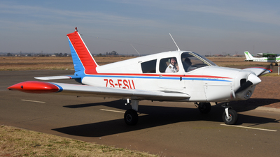 ZS-ESU - Piper PA-28-140 Cherokee - Private