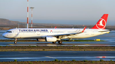 TC-JTJ - Airbus A321-231 - Turkish Airlines