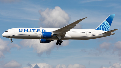 A picture of N19986 - Boeing 7879 Dreamliner - United Airlines - © Sierra Aviation Photography