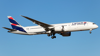 A picture of CCBGA - Boeing 7879 Dreamliner - LATAM Airlines - © MartinezRoe7