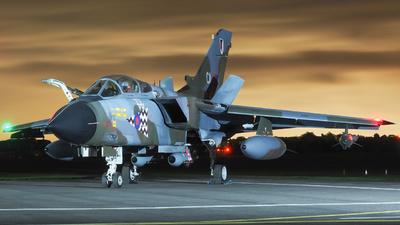 ZA320 - Panavia Tornado GR.1 - United Kingdom - Royal Air Force (RAF)