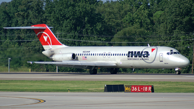 N604NW - McDonnell Douglas DC-9-32 - Northwest Airlines