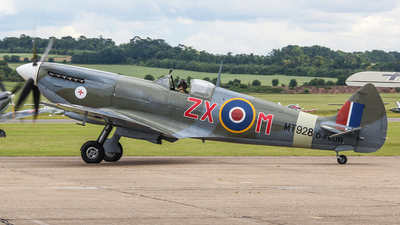 D-FEUR - Supermarine Spitfire Mk.VIII - Private