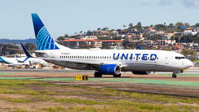 A picture of N39297 - Boeing 737824 - United Airlines - © Brandon Ravelo