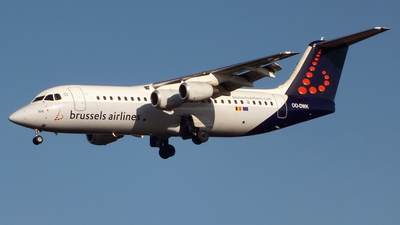 OO-DWK - British Aerospace Avro RJ100 - Brussels Airlines